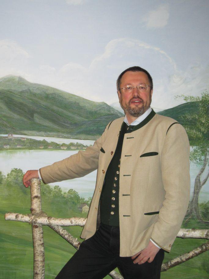 Dozent Dr. Roland Götz